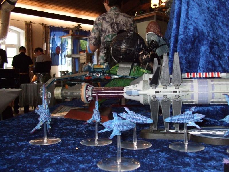 Babylon 5 Raumstation mit Minbariflotte 2008-011