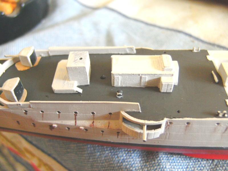 leichter Kreuzer Emden 1:350 von Revell Pict0128