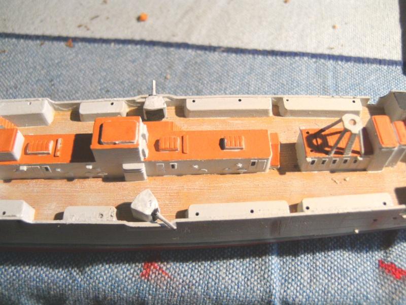 leichter Kreuzer Emden 1:350 von Revell Pict0130