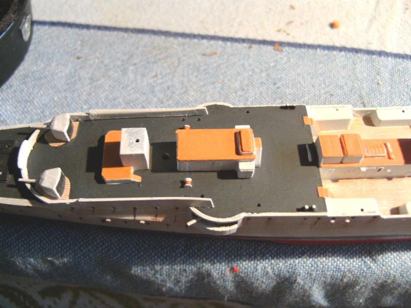 leichter Kreuzer Emden 1:350 von Revell Pict0131
