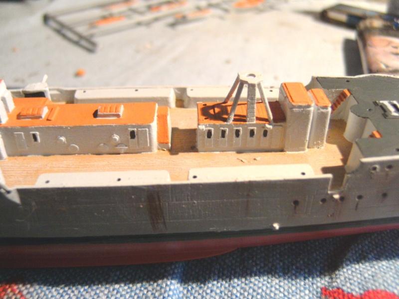 leichter Kreuzer Emden 1:350 von Revell Pict0133