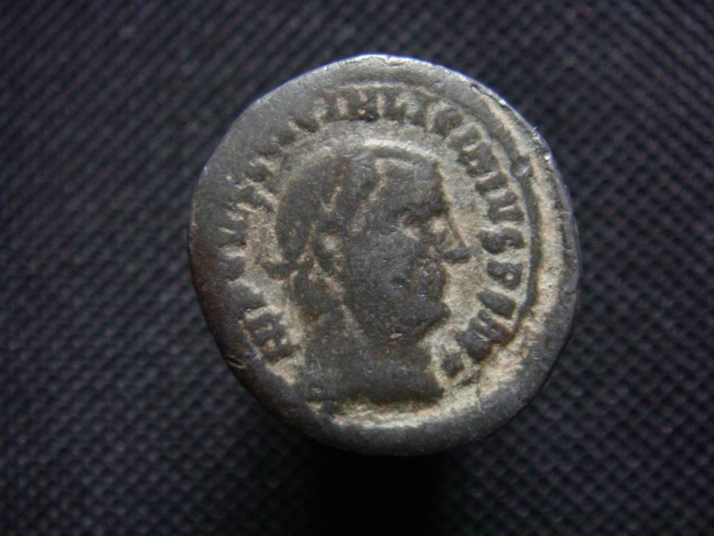 Etrange Licinius à 12,34gr - vos avis ? Dsc05910