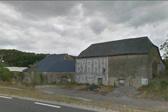 le village d'à coté - Page 4 Byrrh110