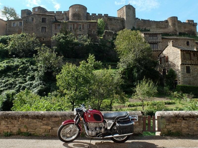 Photos de vous et de votre moto devant ....un château  - Page 6 Dscf2714