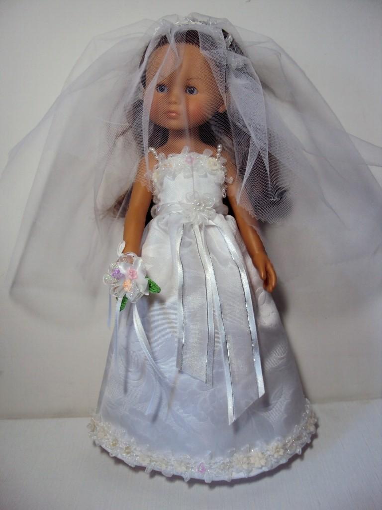 Les poupées mariées - Page 4 Dsc04510