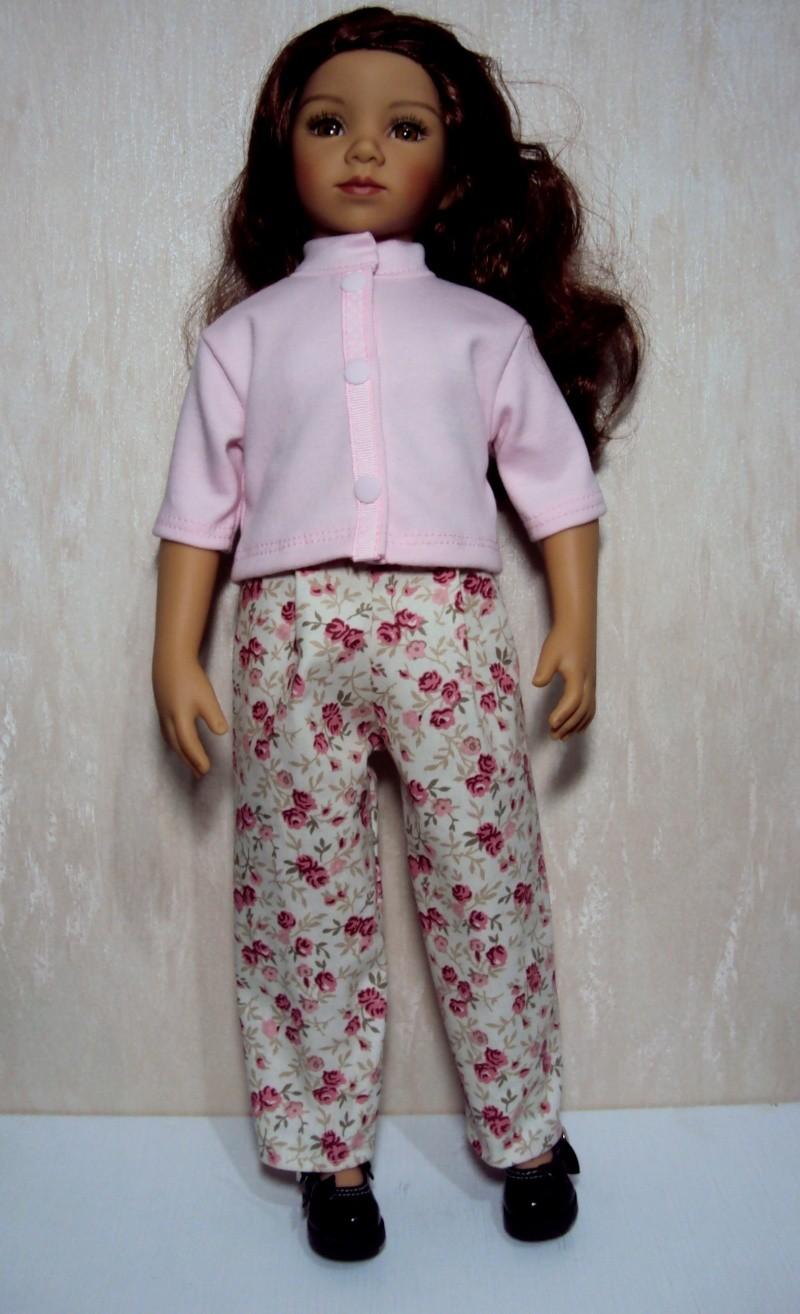 Premier pantalon pour Tanya Dsc05410
