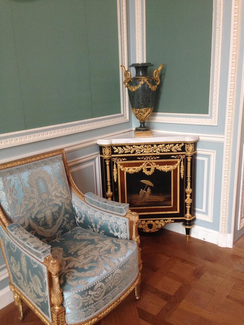 Nouvelles salles consacrées au XVIIIe siècle au Louvre - Page 6 Img_2219
