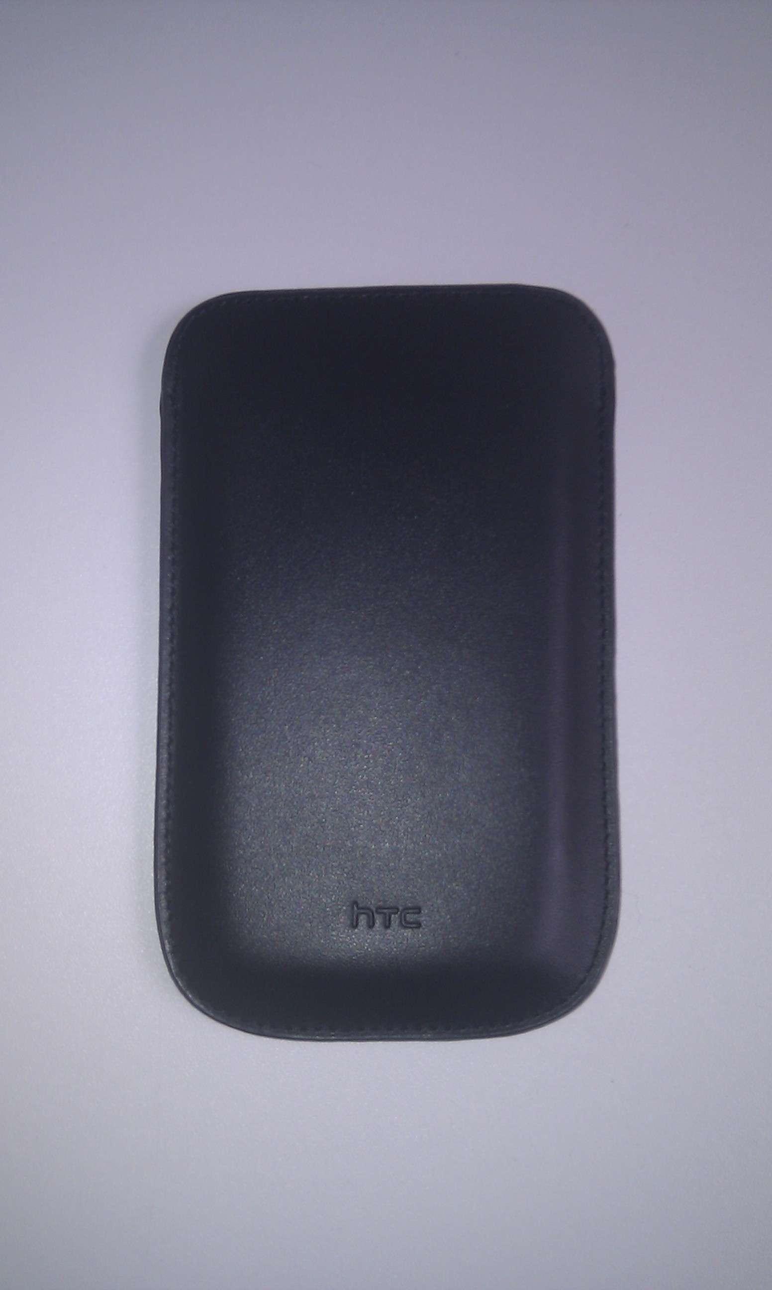 housse officielle Pouch PO S520 disponible sur  le store htc Imag0011