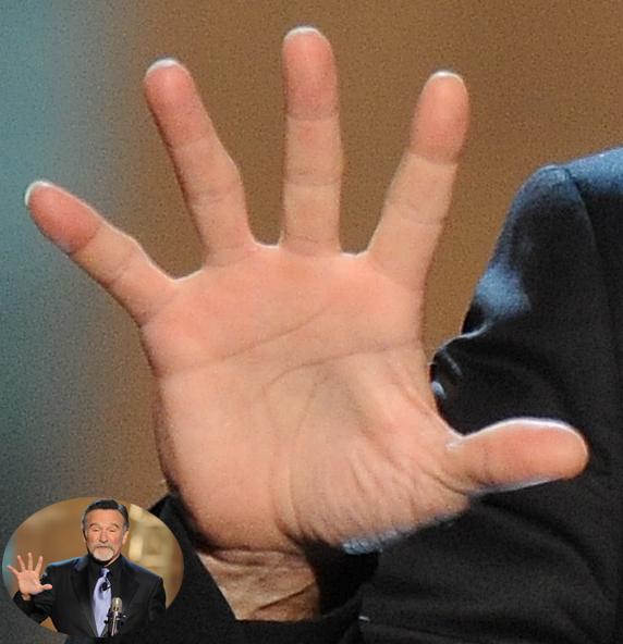 Robin Williams: hands of a crazy comic genius! Robin-12