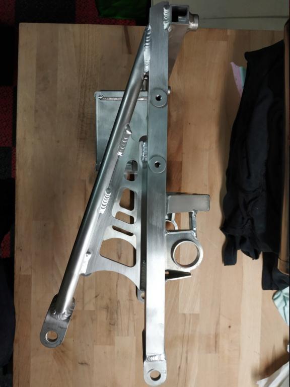 Problemes montage poly arrière cbr sc59/ boucle arrière  Img_2108
