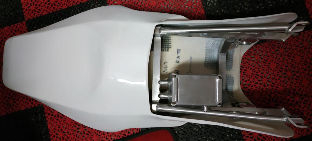Problemes montage poly arrière cbr sc59/ boucle arrière  Img_2109
