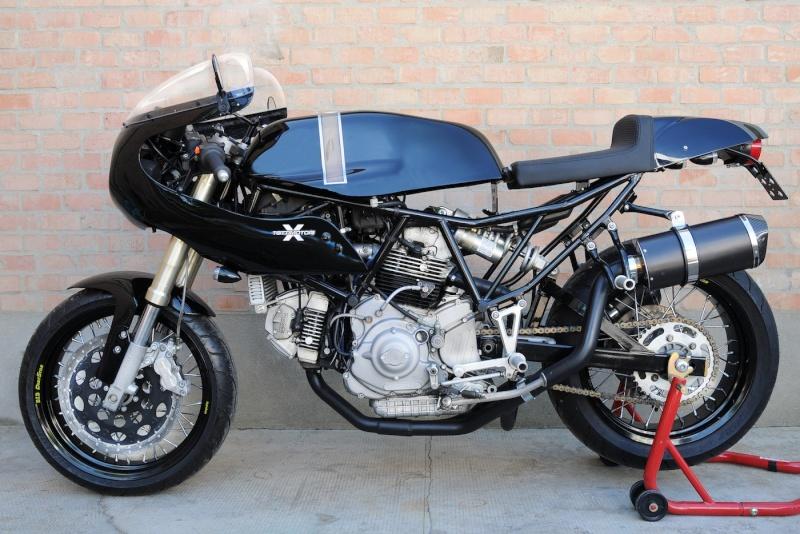 Celle la devrait vous plaire..... Ducati11