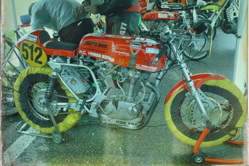 Ici on balance les Monos Ducati - Page 8 Oneta_10