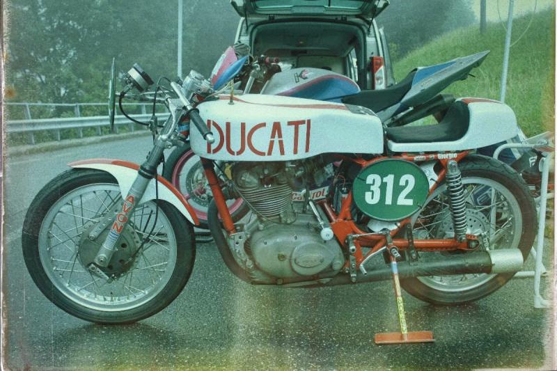 Ici on balance les Monos Ducati - Page 8 Oneta_11