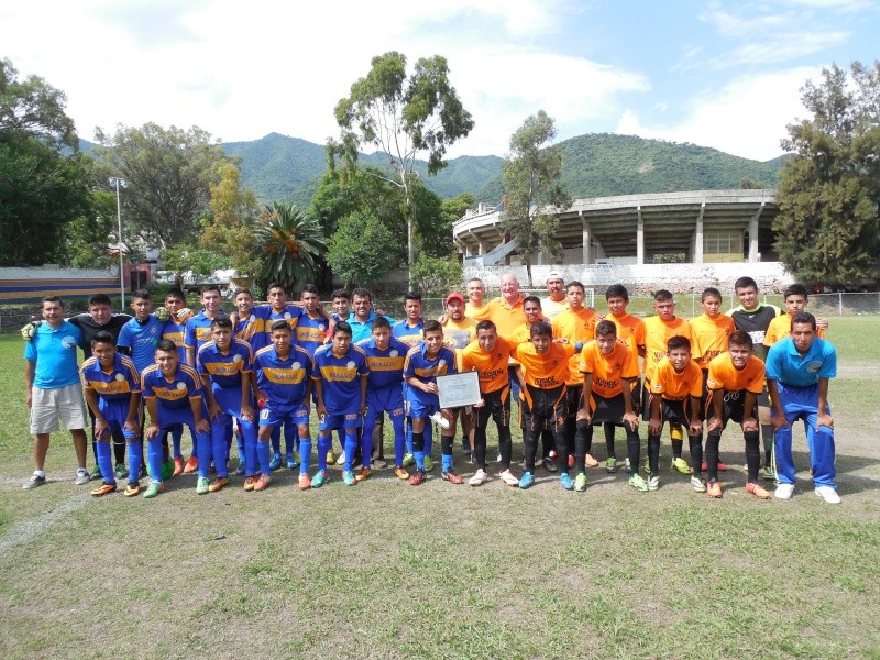 Futbol on Sunday 2014-045