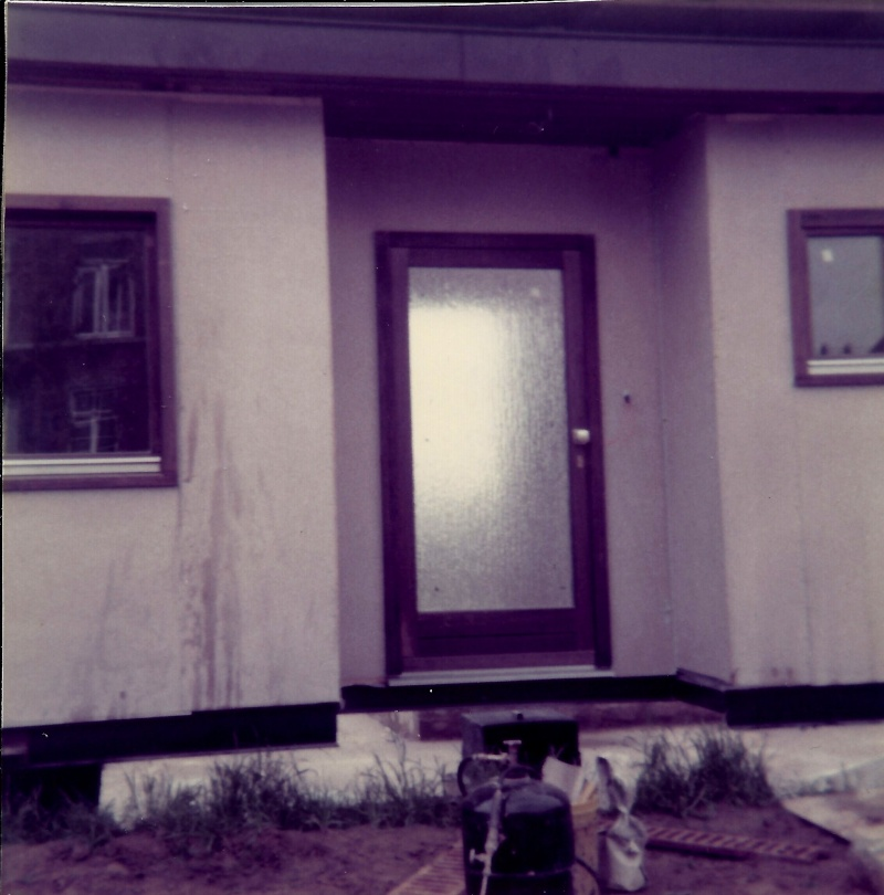 Maison préfabriqué transformée en traditionnelle. 2811