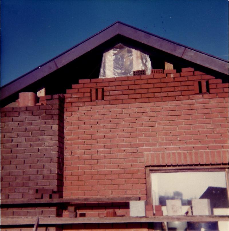Maison préfabriqué transformée en traditionnelle. Br34s10