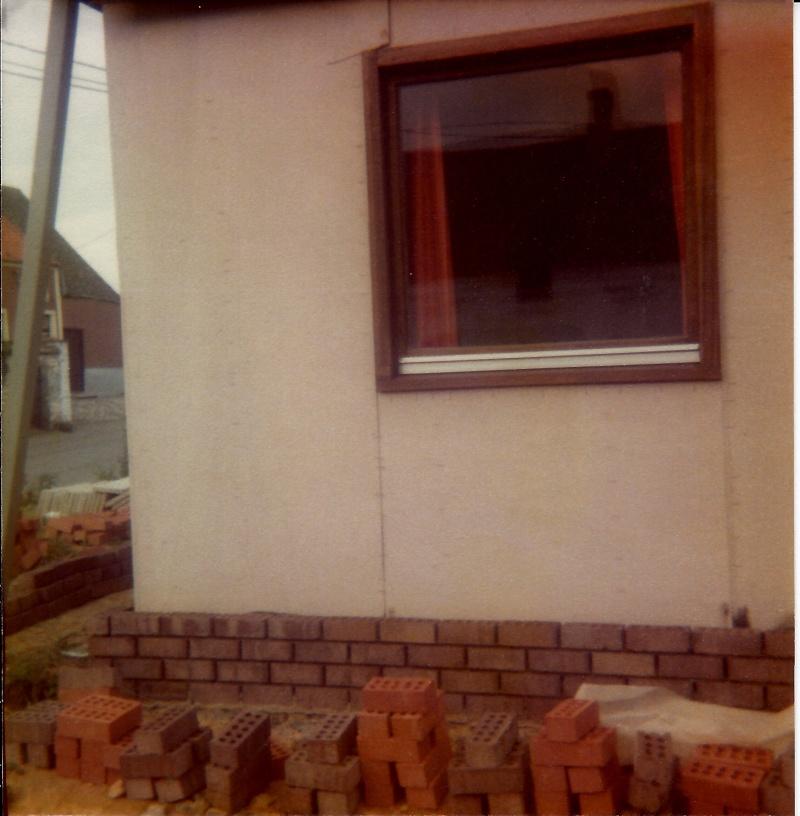 Maison préfabriqué transformée en traditionnelle. Br39o10