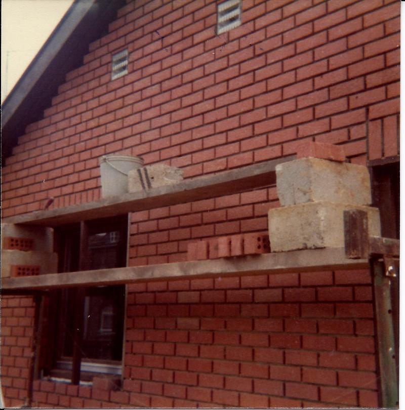 Maison préfabriqué transformée en traditionnelle. Br42o10