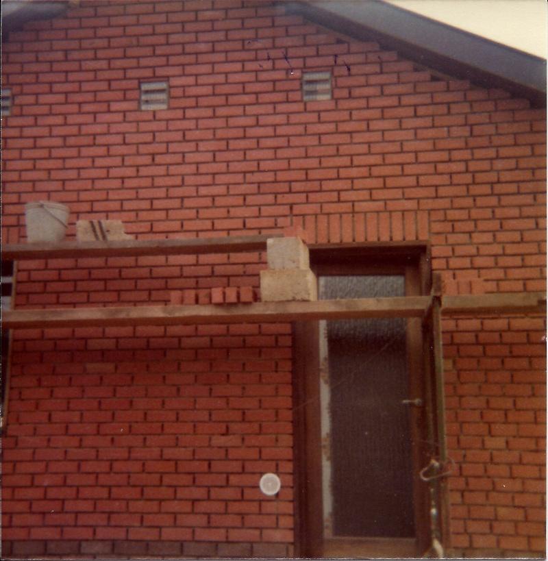 Maison préfabriqué transformée en traditionnelle. Br43o10