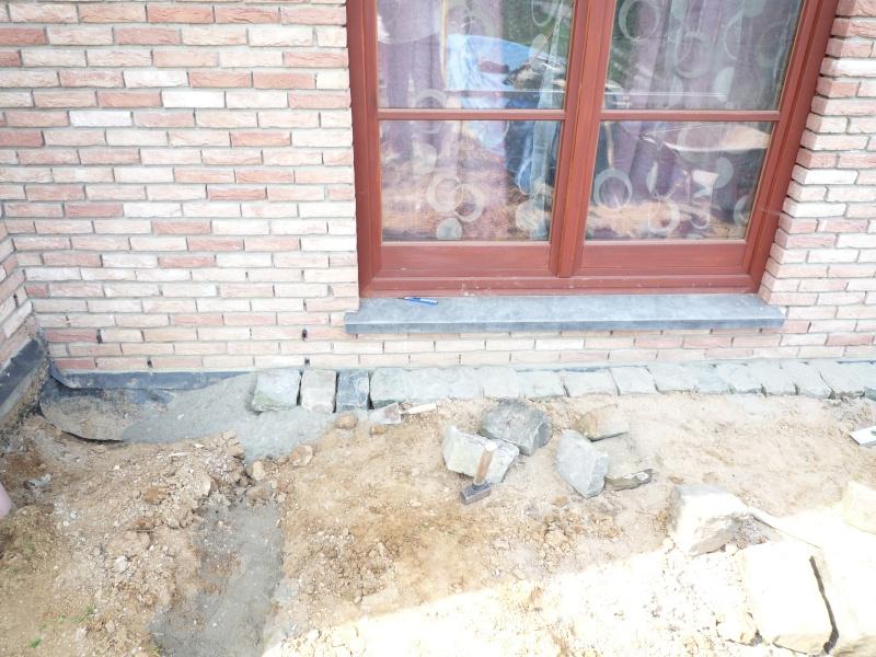 Construction de la maison de mon fils - Page 9 P1010016
