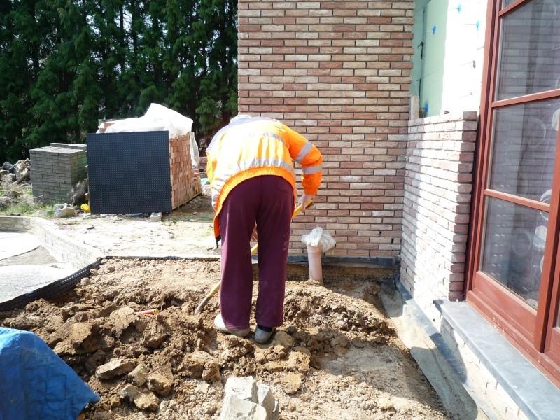 Construction de la maison de mon fils - Page 9 P1010018