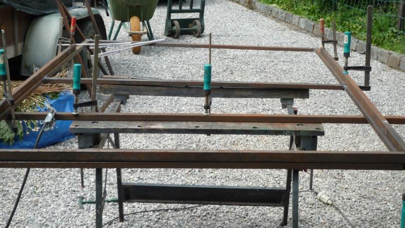 Construction d'un abri pour aspirateur à copeaux suite P1020743