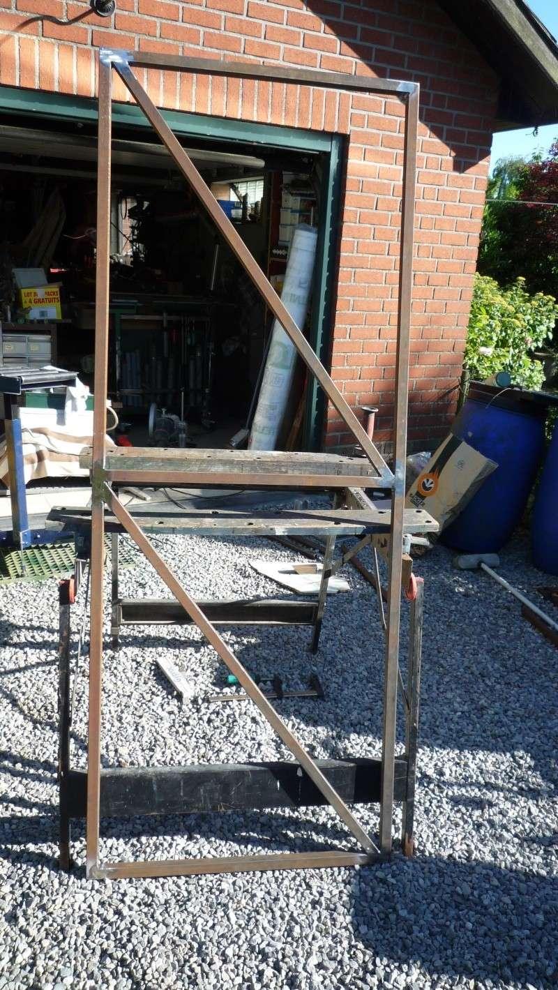 Construction d'un abri pour aspirateur à copeaux suite P1020745