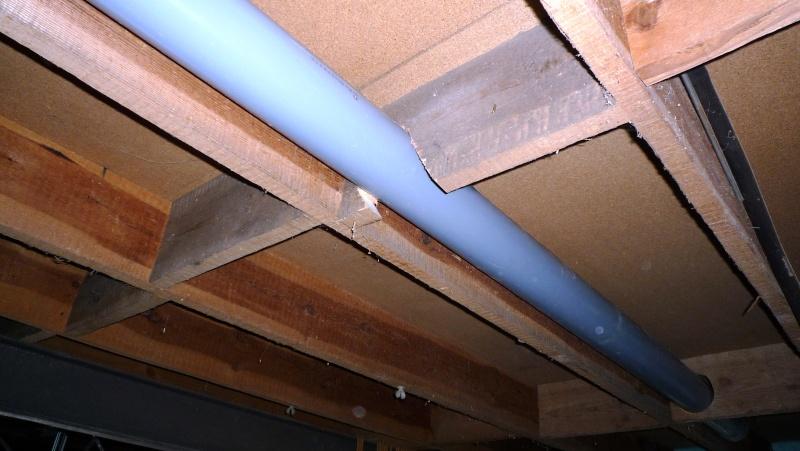Construction d'un abri pour aspirateur à copeaux suite P1020818