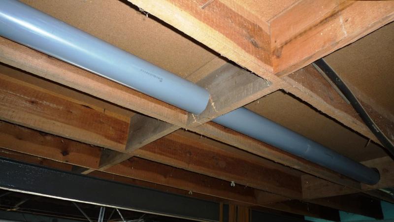 Construction d'un abri pour aspirateur à copeaux suite P1020819