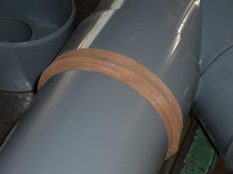 Construction d'un abri pour aspirateur à copeaux suite P1020825