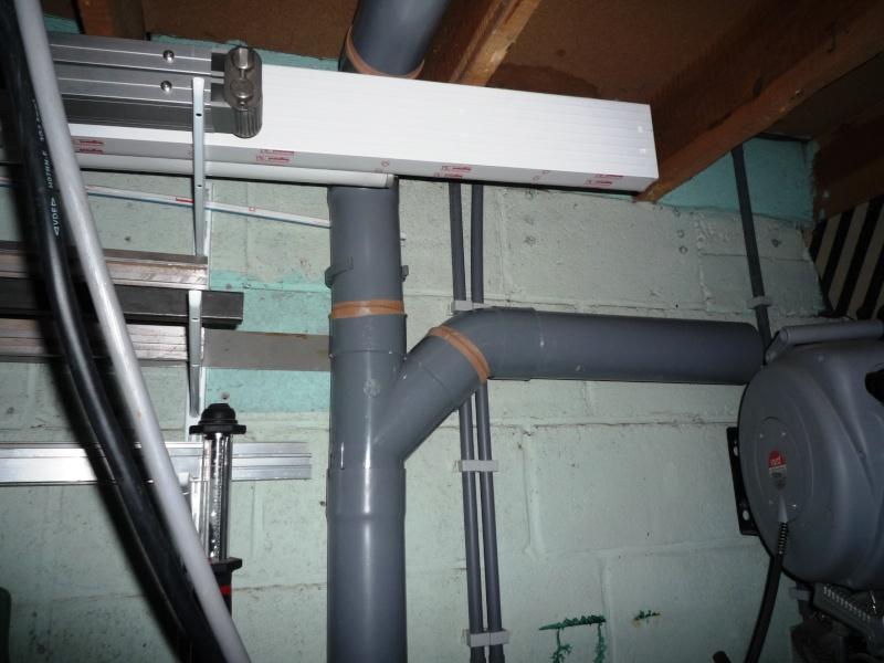 Construction d'un abri pour aspirateur à copeaux suite P1020835