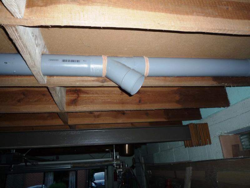 Construction d'un abri pour aspirateur à copeaux suite P1020840