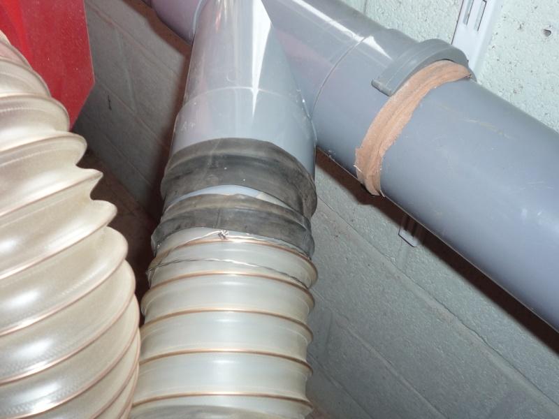 Construction d'un abri pour aspirateur à copeaux suite P1020848