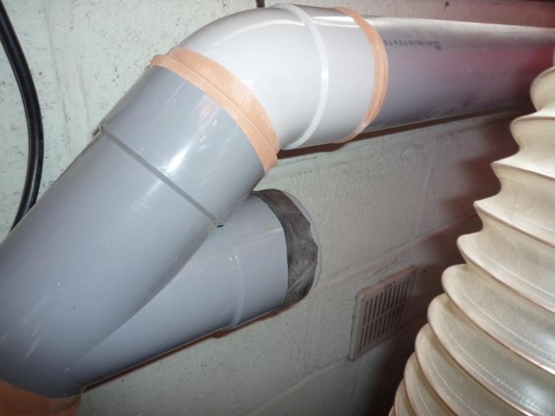 Construction d'un abri pour aspirateur à copeaux suite P1020849