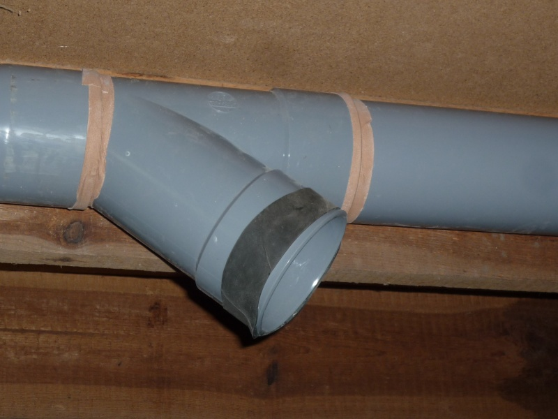 Construction d'un abri pour aspirateur à copeaux suite P1020850