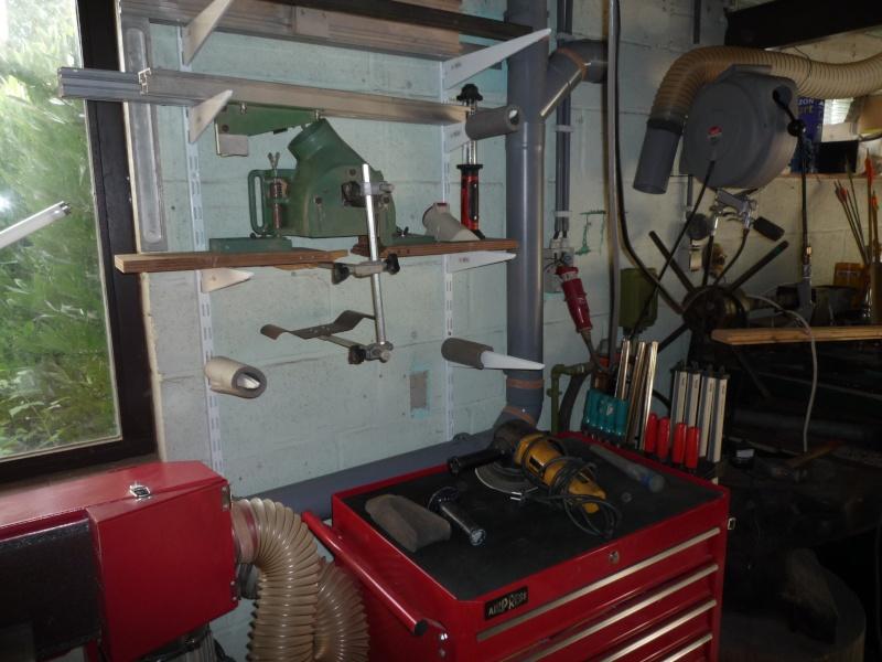 Construction d'un abri pour aspirateur à copeaux suite P1020855