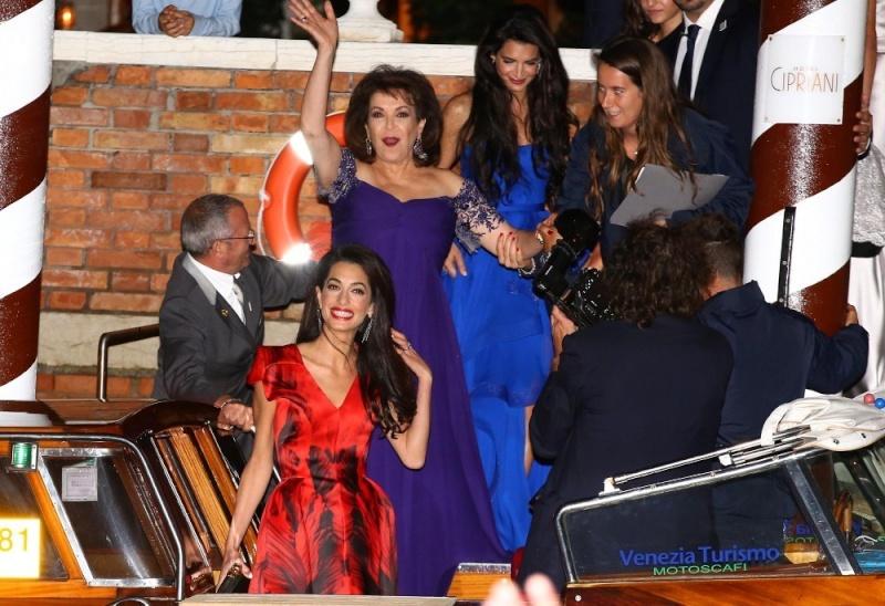 George Clooney, Amal Alamuddin Get Married - Page 2 Amalal11
