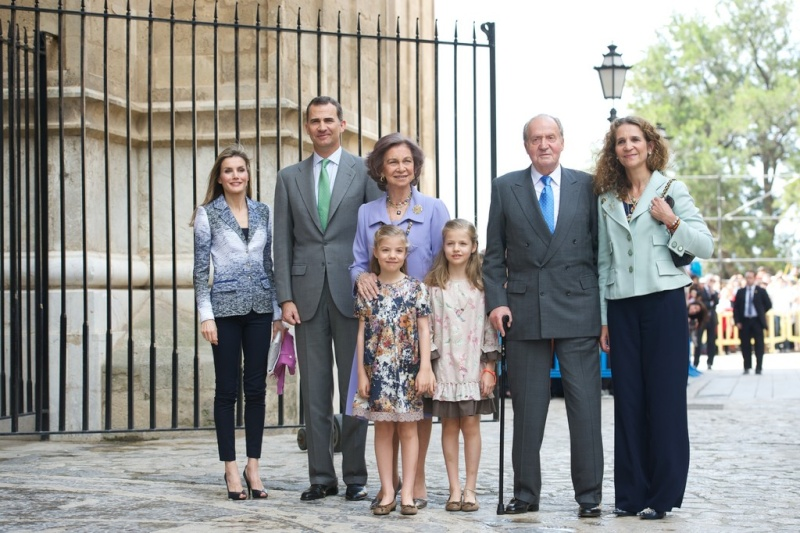 The Spanish Royal Family - Page 3 Kingju10