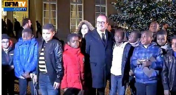 Noël à l'élysée, Hollande avec ses jeunes invités... Noel-a10