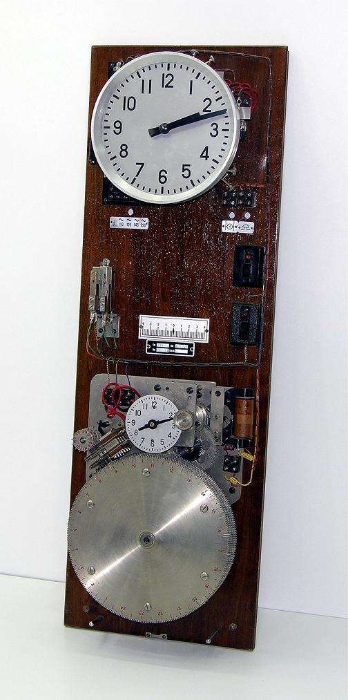 cherche info horloge w.Moser-Baer de 1962 Moser-10