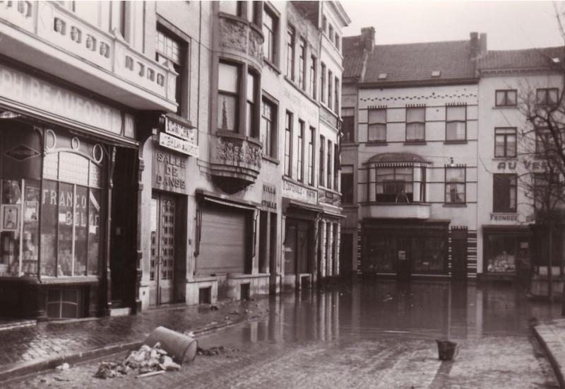 Ostende 1953 Innondations - Page 3 Dancin10