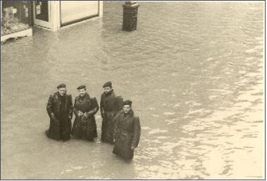 Ostende 1953 Innondations - Page 3 Marine10