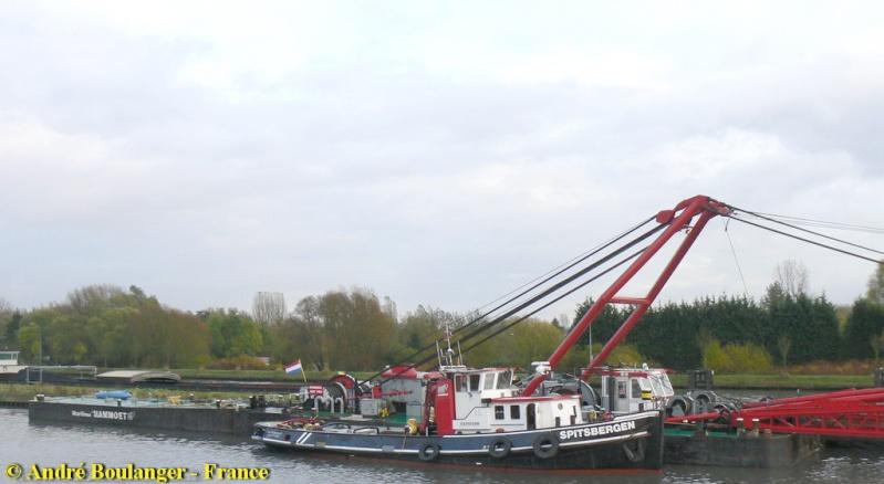 Barge MAMMOET Phoenix Barge_12