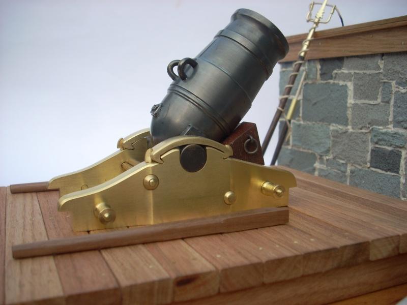 Mortier naval anglais de 10 pouces, sur affût de fonte Dscn8316