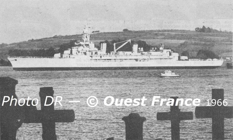 FRANCE CROISEUR-ECOLE JEANNE D'ARC - Page 2 Landav12