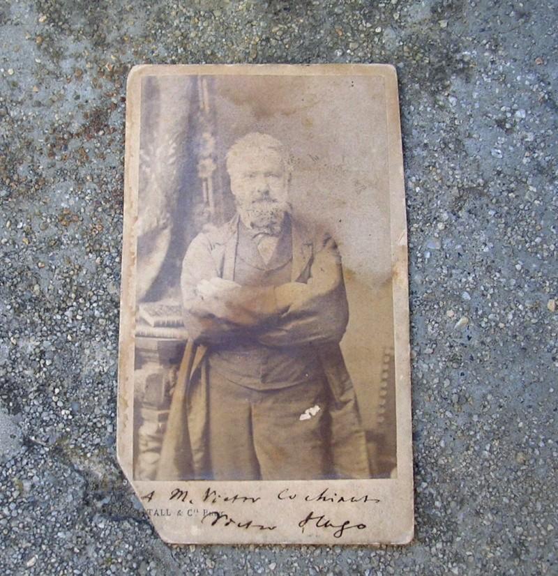 estimation photo signée victor hugo et un gambetta Viccto10