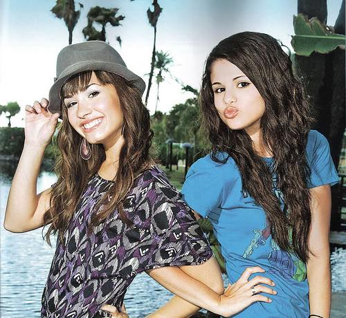 Selena gomez pics! 25570010