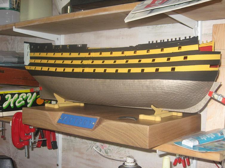 HMS VICTORY au 1/100ème de HELLER Img_8816