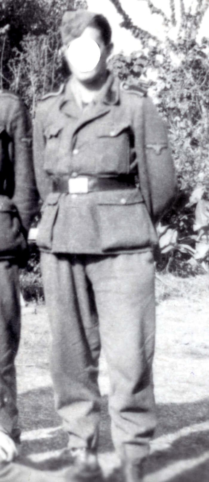 renseignemenst sur cet uniforme Unifor10